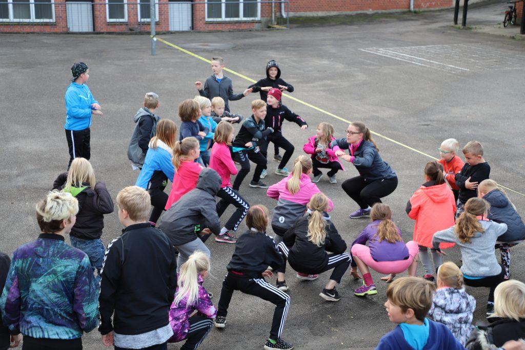 Der laves squats i skolegården