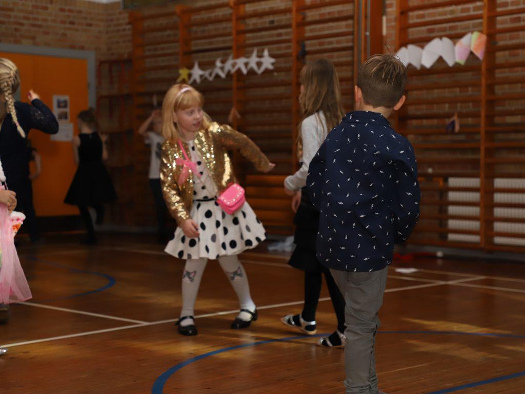 De mindste elever var flittige på dansegulvet