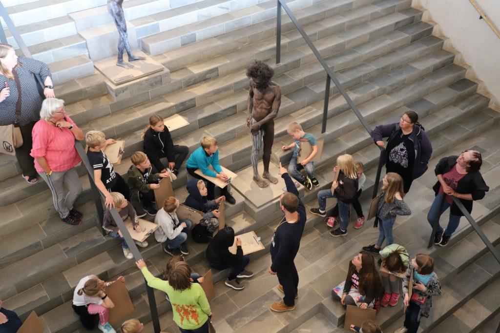 En af aktiviteterne på Moesgaard museum var at tegne