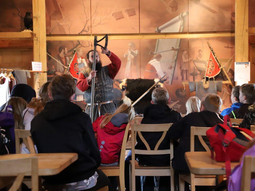Vikingetidens våben blev fremvist