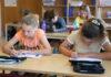 Lyra's elever arbejder koncentreret