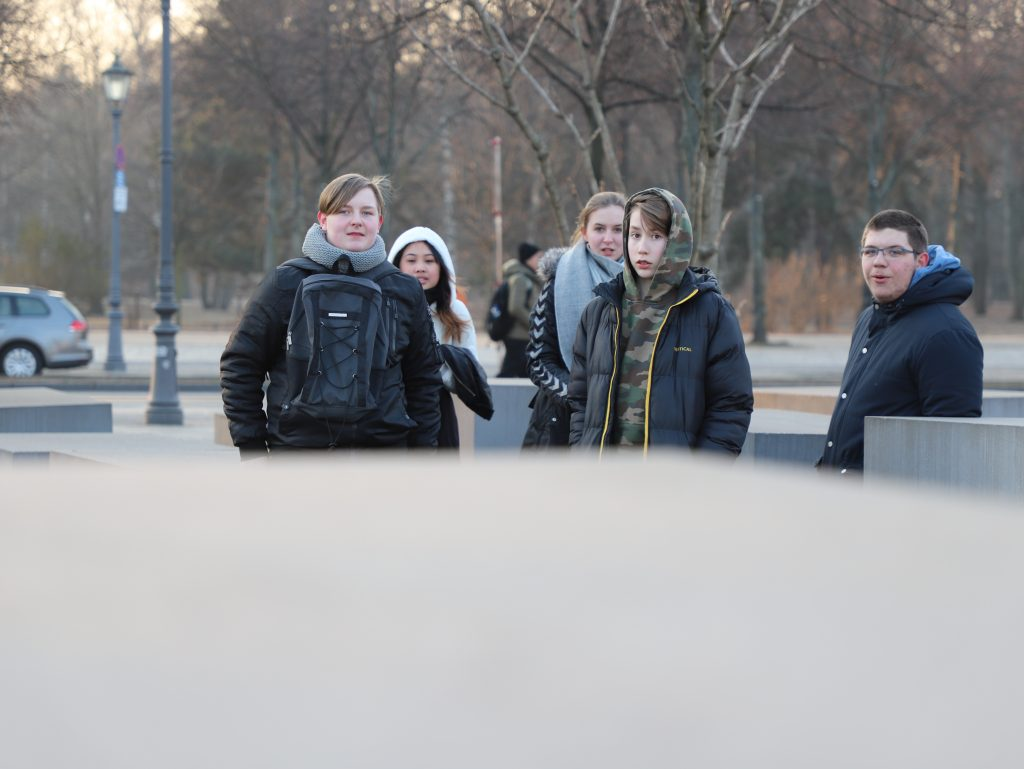 Eleverne @ Holocaust Memorial